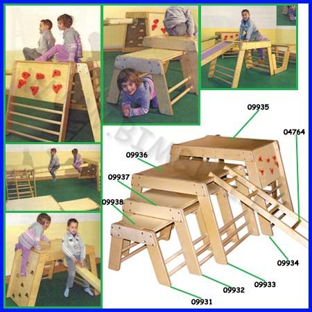 Attrezzi ginnici legno cm.64x75,5x44h
