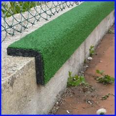 Angolare di sicurezza erba sintetica barra cm 98x20x2.5