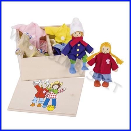 Baule dei vestiti - 2 bambole + 8 vestiti
