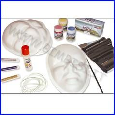 Maschere da decorare/stampi cf 10 pz + accessori fino ad esaurimento