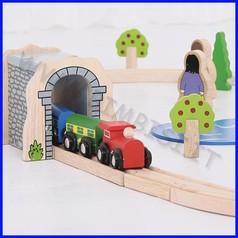 Treno-go il tunnel di pietra