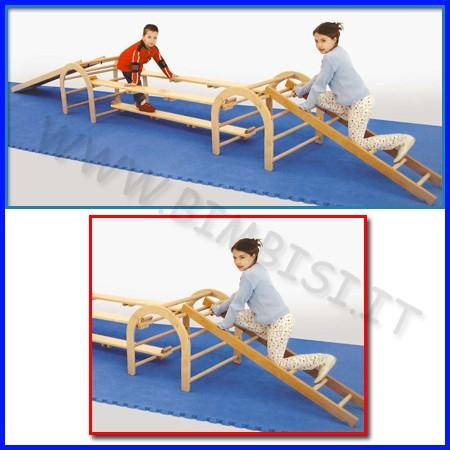 Attrezzi ginnici legno scala collegament stretta