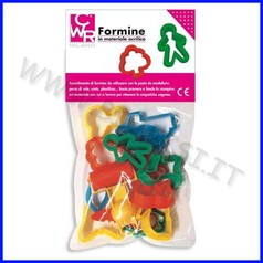 Formine varie in plastica + accessori set 14 pz