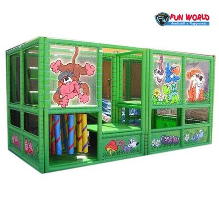 Soft playground jungle dim. cm 220x460x240h - 20/25 bambini