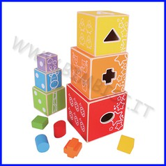 Piramide dei cubi colorati