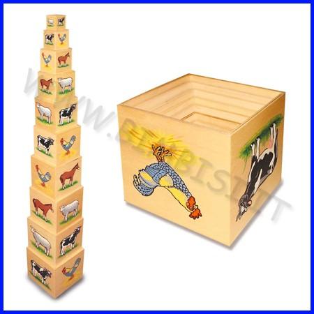 Piramide fattoria in legno