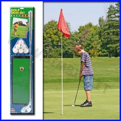 Golf set: 1 mazza, 1 base e 6 palline fino ad esaurimento