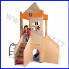 Grande castello in legno