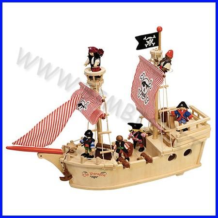 Nave dei pirati in legno