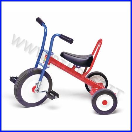 Triciclo monoposto cm. 72x48,5x61h - kg.9 fino ad esaurimento