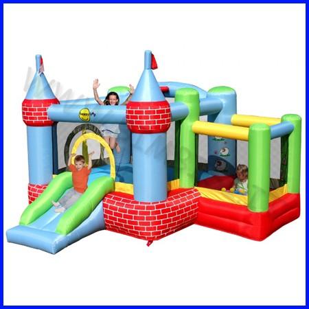 Castello gonfiabile happyhop fattoria dim.cm 325x300x220