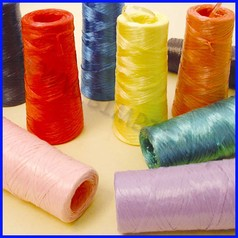 Rafia sintetica conf 10 conetti mt.170 cadauno colori assortiti