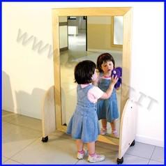 Specchio infrangibile cm.79x164 con carrello quadrettato