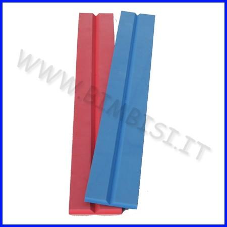 Paraspigolo eva v barra 100cm sp.1cm rosso ignifugo classe 1