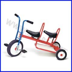Triciclo biposto cm. 94x44x61h - kg.12 fino ad esaurimento